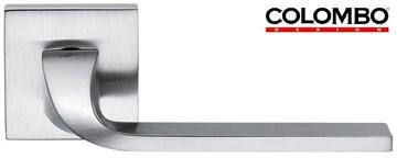 Дверная ручка на квадратном основании COLOMBO Isy BL11RSB-CM матовый хром