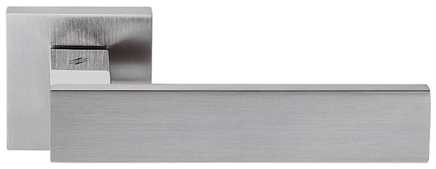 Дверная ручка на квадратном основании COLOMBO Alba LC91RSB-CR8 полированный хром / матовый хром - фото 13194