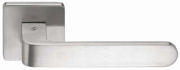 Дверная ручка на квадратном основании COLOMBO Fedra AC11RSB-CR матовый хром - фото 13225