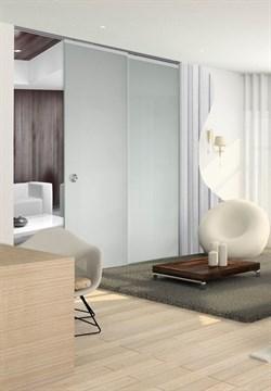 Потолочный дверной пенал Open Space PARALELO Glass Plus Soft (с доводчиком) для телескопических цельностеклянных полотен 2400-2499 мм